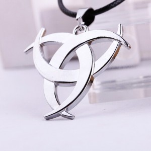 http://www.fabfable.ru/2388-10592-thickbox/necklace-assassins-creed.jpg