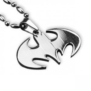 http://www.fabfable.ru/243-1521-thickbox/batman-attack-necklace.jpg